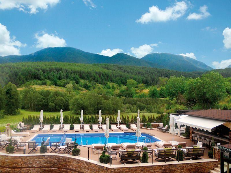 Premier luxury mountain resort bansko ski deals bansko for Mountain luxury